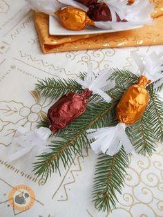 Ropogós diópralinés szaloncukor Christmas Candy, Food And Drink, Blog, Candy, Christmas Treats, Christmas Trifle