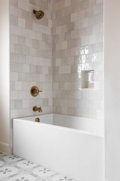 Home Interior Salas .Home Interior Salas Bad Inspiration, Bathroom Inspiration, Bathroom Ideas, New Bathroom Designs, Shower Designs, Bathroom Trends, Bathroom Organization, Interior Inspiration, Upstairs Bathrooms