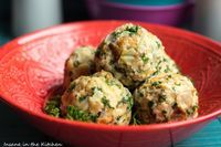 Southern Recipes Dumplings ~ classic and homemade in no time Cooking On The Grill, Southern Recipes, How To Cook Chicken, Soul Food, Food Dishes, Side Dishes, Easy Dinner Recipes, Food Videos, Food Inspiration