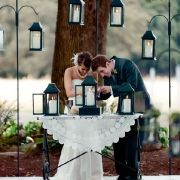 I love the incorporation of lanterns into a wedding.