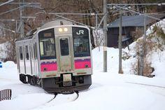 https://flic.kr/p/SaLBH7 | Local train | Located : Between Obarino station and Ugo-Sakai station, Ou main line, Akita pref, Tohoku, Japan.  奥羽本線 / 大張野駅 - 羽後境駅間で撮影