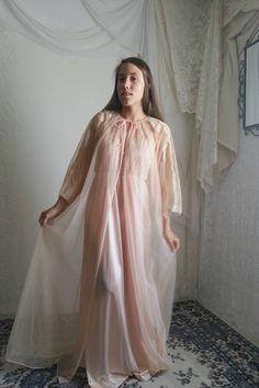 70er Jahre-Pfirsich-Koralle Peignoir Nachthemd Set / / Jahrgang schiere Robe Maxi Kleid Dessous / / Größe: klein