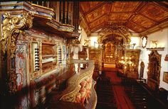 Org%C3%A3oTiradentes.jpg (640×420) Órgão da Matriz de Santo Antônio, Tiradentes, MG. Órgão estilo barroco, fabricado na cidade do Porto, Portugal, no século XVIII. Restaurado há alguns anos, está funcionantes e há concertos às sextas feiras à noite.