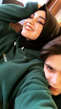 Cute Muslim Couples, Cute Couples, Cute Baby Boy Outfits, Hijab Fashion Inspiration, Hijabi Girl, Couple Photography Poses, Ulzzang Couple, Sweet Couple, Muslim Women