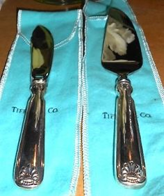 NEW Tiffany & Co. Sterling Silver Shell & Thread Cheese Knife & Spreader Set | eBay