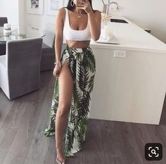 Modetrends im Jahr 2019 hat Shopper bei Zara Mango H M Asos Top-Shop Redoubt Bershka Streetsyle Sommer-Outfits Casual-Outfit Day-Look. Cancun Outfits, Hawaii Outfits, Pool Party Outfits, Miami Outfits, Cruise Outfits, Ibiza Outfits, Vegas Outfits, August Outfits, Drinks Outfits