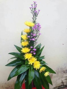 Dekoracje kwiatami Tall Flower Arrangements, Contemporary Flower Arrangements, V… Contemporary Flower Arrangements, Tropical Flower Arrangements, Creative Flower Arrangements, Flower Arrangement Designs, Funeral Flower Arrangements, Beautiful Flower Arrangements, Beautiful Flowers, Vase Arrangements, Altar Flowers
