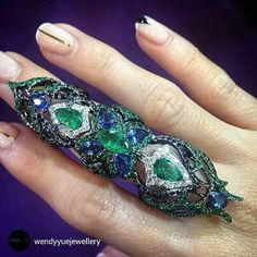 A fabtastic articulated full finger ring