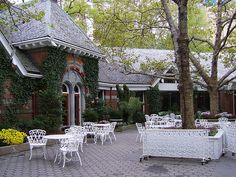 Tavern on the Green in Central Park - many precious moments spent here throughout the New York visits! New York Vacation, New York Travel, Travel Memories, Great Memories, New York Thanksgiving, Tavern On The Green, Green Facade, East Coast Travel, Central Park