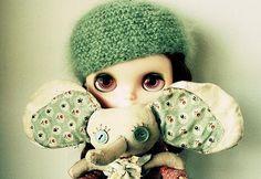 hehe, love the elephant! Blythe doll