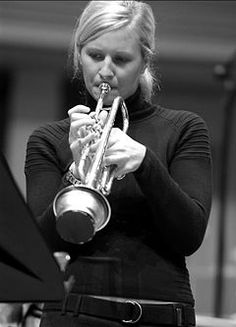 Alison Balsom (1978) is a British trumpetist, arranger, producer, music educator, curator and spokesperson for the importance of music education. She was awarded Artist of the Year at the 2013 Gramophone Awards and has won 3 Classic BRIT and 3 German Echo Awards, and was soloist at the BBC Last Night of the Proms in 2009. She was awarded Honorary Doctorates from the University of Leicester and the University of East Anglia, and is an Honorary Fellow of the Guildhall School of Music and…