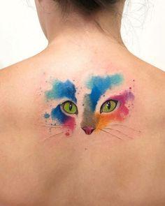 - Gato estilo Acuarelas por Javi Wolf Nice watercolor tattoo style of Cat head motive done by tattoo artist Claudia Denti Wolf Tattoos, Finger Tattoos, Body Art Tattoos, Watercolor Cat Tattoo, Aquarell Tattoos, Cat Tattoo Designs, Tattoo Und Piercing, Memorial Tattoos, Mini Tattoos