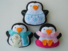 Hey, I found this really awesome Etsy listing at http://www.etsy.com/listing/119583798/penguin-snow-day-felt-ornaments-winter