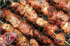It& time to make your own Souvlaki! This marinade will transform your chicken, beef, pork or lamb to a Greek Island! Chicken Souvlaki Marinade, Shish Kabobs Marinade, Souvlaki Pork, Souvlaki Recipe, Beef Marinade, Beef Kabobs, Kebabs, Skewers, Shish Kebab