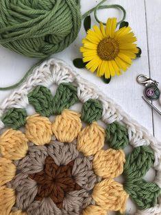 Granny Square Crochet Pattern, Crochet Squares, Crochet Granny, Crochet Blanket Patterns, Crochet Motif, Crochet Designs, Crochet Stitches, Knitting Patterns, Knit Crochet