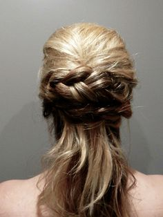 Half Up Do With Braids Wedding Hairstyles Professional - professional hairstyles wedding professional hairstyles curled 30s Hairstyles, Hairstyles With Glasses, Classic Hairstyles, Formal Hairstyles, Wedding Hair Tips, Braided Hairstyles For Wedding, Professional Hairstyles For Men, Romantic Updo, Bridal Hair Updo