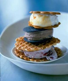 Nothing says summer like an ice cream cone. Enjoy an Ice Cream Sandwich this summer. Get creative with your pairings!!