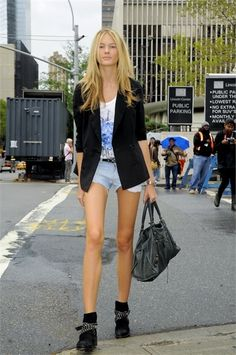 Model off duty style - Have the sexual presence of a model, even if you don't look like one! Click the pic...