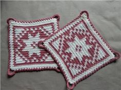 GRYTLAPPAR retro, vita o rosa m stjärnor, ca 16x16cm Crochet Potholders, Pot Holders, Kitchen Decor, Presents, Blanket, Knitting, Decoration, Pattern, Inspiration