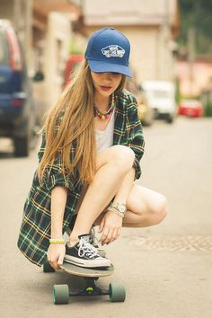 Imagen de girl, skate, and hair