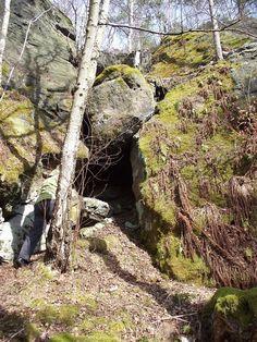 """Eingang zur """"Bahrataler Stiegenkammer"""""""