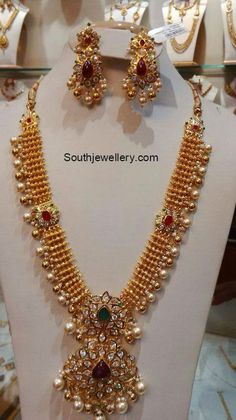 Antique Gold Necklace with CZ Pacchi Pendant - Indian Jewellery Designs Jewelry Design Earrings, Gold Earrings Designs, Necklace Designs, Gold Designs, Indian Jewellery Design, Indian Jewelry, Jewellery Designs, Handmade Jewellery, Beaded Jewellery