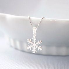 Winter Necklace. Snowflake Necklace, Sterling Silver Snowflake Pendant on Sterling Silver Necklace Chain, Bridesmaid Necklace