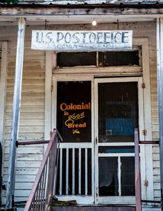Post Office remember when the store fronts had doors like these? via Lilly Jordan Country Charm, Country Life, Country Girls, Country Living, Country Roads, Old General Stores, Old Country Stores, Post Bus, Old Screen Doors