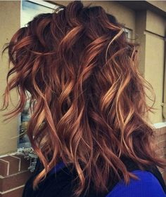 10 Medium Length Hairstyles for Thick Hair in Super Sexy Colors From special FX tricking the eye, to face-softening beige, via cute gold, flaming red and icy ash blondes – these are the freshest medium hairc. Medium Long Hair, Medium Hair Cuts, Medium Hair Styles, Curly Hair Styles, Brown Blonde Hair, Short Blonde, Red Hair Color, Hair Colors, Grunge Hair
