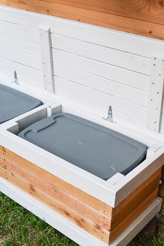 Make a DIY Outdoor Storage Bench with Hidden Storage. This backyard storage box . Make a DIY Outdoor Storage Bench with Hidden Storage. This backyard storage box has a surprise insi Woodworking Garage, Easy Woodworking Projects, Fine Woodworking, Woodworking Patterns, Woodworking Classes, Popular Woodworking, Woodworking Videos, Woodworking Furniture, Diy Outdoor Furniture