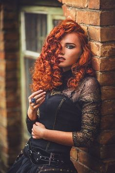 What Are The Best Places To Find Gothic Fashion Accessories? Dark Beauty, Gothic Beauty, Goth Chic, Red Hair Woman, Gothic Fashion, Style Fashion, Redhead Girl, Fashion Advice, Fashion Ideas