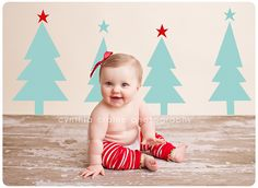 6 month old Christmas pictures Love the Backdrop! 6 month old Christmas pictures Lo Baby Christmas Photos, Christmas Minis, Holiday Photos, Diy Photo Backdrop, Photo Props, Photo Backdrops, Backdrop Ideas, Coffee Wedding Favors, Christmas Backdrops