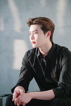 Lee Jong Suk ♥️ Lee Joon, Lee Jong Suk Wallpaper, Up10tion Wooshin, Lee Jong Suk Cute, Kang Chul, Han Hyo Joo, Handsome Korean Actors, Kdrama Actors, Cute Actors