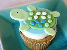 Turtle Baby Shower Theme | Adventures in Cupcaking: Sea Turtle Baby Shower Cupcakes  *Too adorable, love it