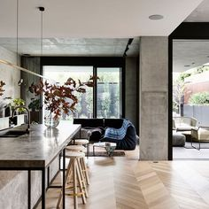 The Design Files - A Home Of Luxury And Layers - photo, Derek Swalwell. Interior Design Kitchen, Interior Decorating, Decorating Ideas, Decor Ideas, Design Bathroom, Decorating Websites, Bar Ideas, Casa Loft, Melbourne House