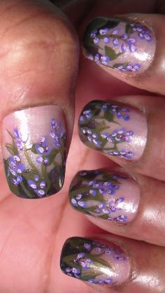 Those who love purple will like these easy lavender flowers.