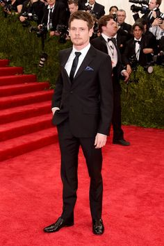 Pin for Later: Seht alle Stars bei der Met Gala Jack O'Connell