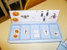 La maternelle de Laurène: Halloween Halloween Party Games, Diy Halloween, Theme Halloween, Halloween 2018, Happy Halloween, Halloween Decorations, Preschool Halloween, Montessori, Halloween Adventure