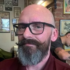 Bald Men With Beards, Bald With Beard, Grey Beards, Hairy Men, Bearded Men, Shaved Head Styles, Bald Men Style, Beard Styles, Hair Styles