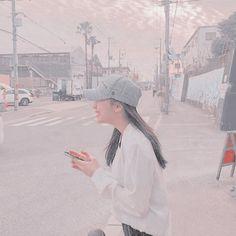 Korean Girl Photo, Cute Korean Girl, Asian Girl, Kpop Aesthetic, Pink Aesthetic, Cute Photos, Girl Photos, Light Icon, Cute Pastel Wallpaper