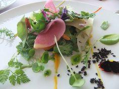 ミシェル・ブラス トーヤ ジャポン - 料理写真:若野菜で仕上げたガルグイユー 発芽豆ハーブアカシアのミルク