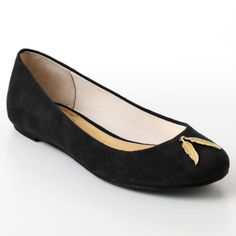 Super sweet and simple black ballet flats from Lauren Conrand for Kohl's - and the little gold charm just gives it a little something more. Love that these also come in navy and at a GREAT price!