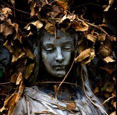 Belas esculturas de cemitério 01