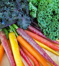 """Awesome Kale-Carrot"": immune system booster, colon cancer prevention, lung health booster -   1 carrot  2 cups kale  1 sweet red pepper  5 sprigs cilantro"