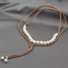 Pearl Leather Necklace Choker Necklace Leather by jewelrystorylove See related items on Fanatic Leather Store. Leather Pearl Necklace, Leather Jewelry, Pearl Jewelry, Beaded Jewelry, Jewelery, Jewelry Necklaces, Diy Choker, Diy Necklace, Fashion Accessories