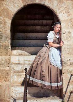Valenciana Folklore, Regional, Costume Design, Spanish, Victorian, Shorts, Inspiration, Dresses, Fashion