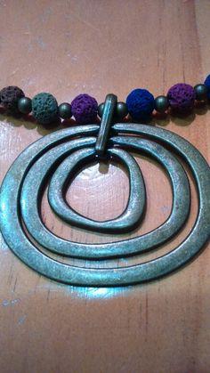 Collar de bolas volcánicas https://www.facebook.com/pages/Evam-Bijuteria/372293902878071