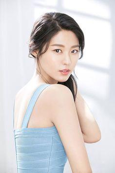 설현-AOA 180317 Seolhyun for biotherm , 트위터 Seolhyun, Korean Women, Korean Girl, Korean Beauty, Asian Beauty, Kim Seol Hyun, Beauty Shoot, Beautiful Asian Women, Korean Actresses