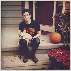 sangria mouth — John Mulaney and his pup, Petunia. Bill Hader, Bo Burnham, John Mulaney, Street Smart, Asian American, Saturday Night Live, Snl, Tumblr, White Man