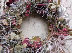 Kränze - Kranz Blütenpotpourri - ein Designerstück von LandLebensArt bei DaWanda